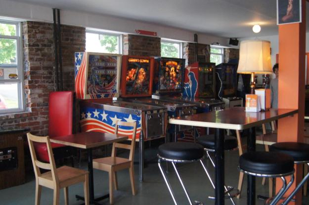 This awesome arcade bar just opened in my hometown - Imgur